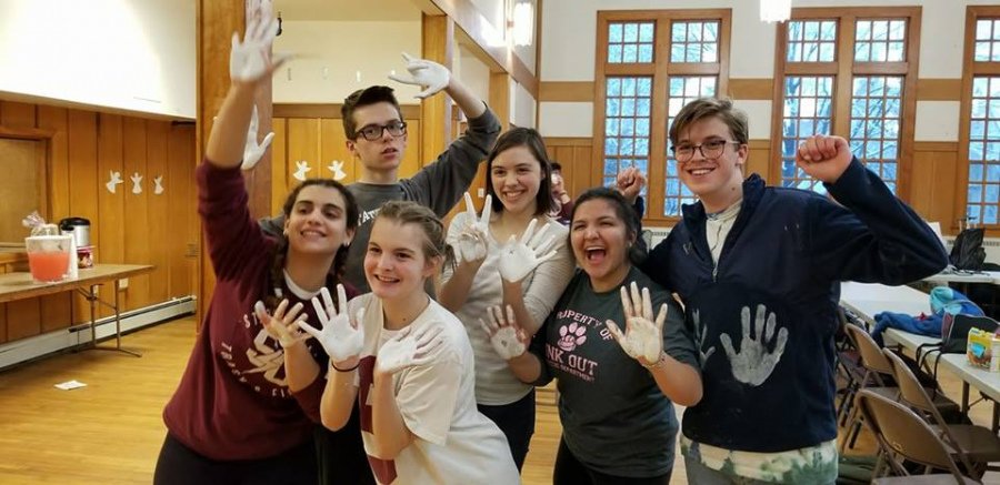 %0AMembers+of+the+youth+group+FISH+pose+during+a+mission+trip+to+Highland+Park%2C+New+Jersey+that+occurred+during+spring+break.+Members+pictured+are+Jackie+Saleeby%2C+Ben+Nasal%2C+and+Dan+Culin%2C+seniors%3B+Tori+Richardson+and+Tuna+Safak%2C+juniors%3B+and+Saoirse+Hopp%2C+sophomore.+The+students+took+part+in+painting+Highland+Park+Church%2C+a+very+philanthropic+church%2C+in+order+to+give+back.+%E2%80%9CIt+was+one+of+the+most+life-changing+weeks+of+my+life.+To+be+able+to+actually+get+out+in+the+real+world+and+make+change+is+an+incomparably+gratifying+experience%2C%E2%80%9D+said+Culin.%0A
