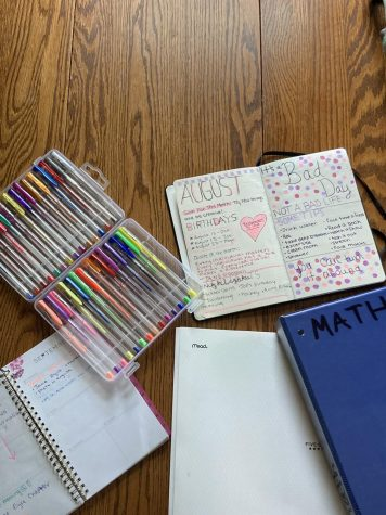 This is a photo of organizational methods that used to help me stay on track with assignments and activities.