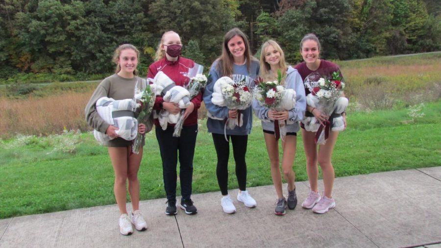 Left to Right: Seniors Maya Ikenberry, Ava Loehr, Shannon Mullin, Monica Redondo and Ingrid Olsen pose for a photo.